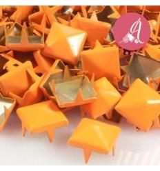 Tachuelas Piramide Naranja 9mm
