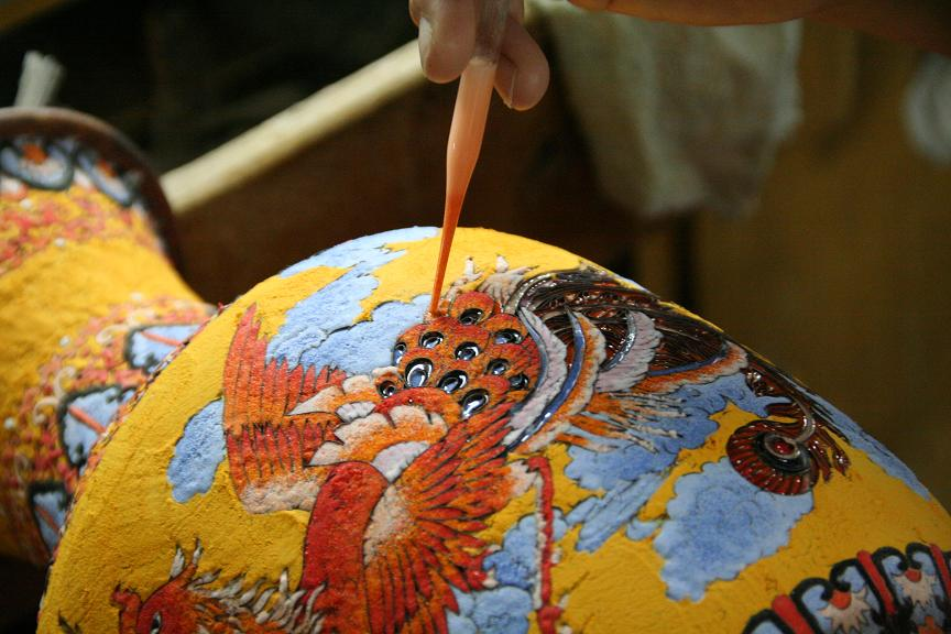 Jarrón Cloisonné pintado artesanalmente