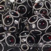 Oliva de resina negra decorada de 20mm