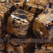 Cubo de resina dorado de 18mm