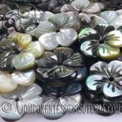 Flor de Madre Perla Negra de 15mm