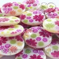 cuenta-nacar-redonda-flores-multicolor-20mm
